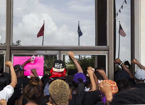 Mark Wallheiser「Protests Continue In Baton Rouge After Police Shooting Death Of Alton Sterling」:写真・画像(8)[壁紙.com]