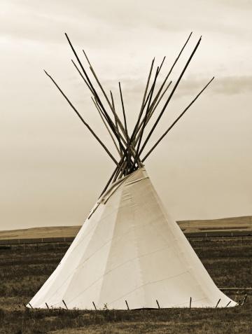 Indigenous Culture「Sepia Teepee and Grasslands」:スマホ壁紙(8)