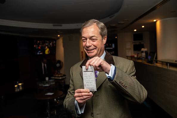 Gambling「Nigel Farage Bets £1000 on his Brexit Party」:写真・画像(12)[壁紙.com]