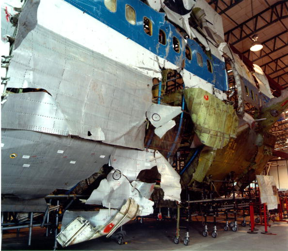 Repairing「The Shatter Zone Portion Of The Reconstructed Fuselage Of Pan Am Flight 103」:写真・画像(9)[壁紙.com]