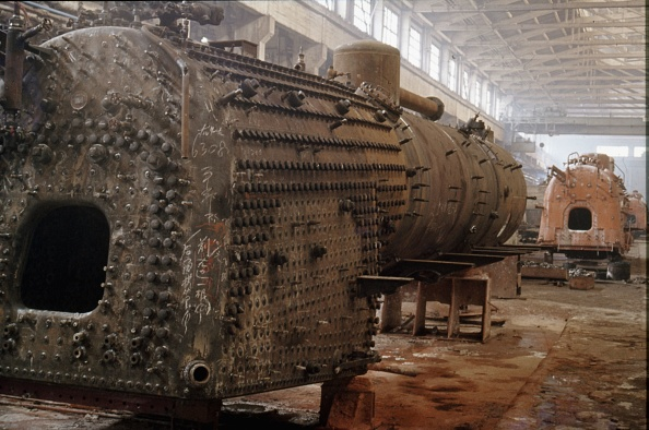Finance and Economy「Steam locomotive boiler overhaul at Chan Chun Locomotive Works.」:写真・画像(14)[壁紙.com]