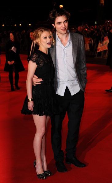 Emilie De Ravin「Remember Me: UK Film Premiere Outside Arrivals」:写真・画像(14)[壁紙.com]