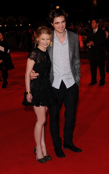 Emilie De Ravin「Remember Me: UK Film Premiere Outside Arrivals」:写真・画像(10)[壁紙.com]