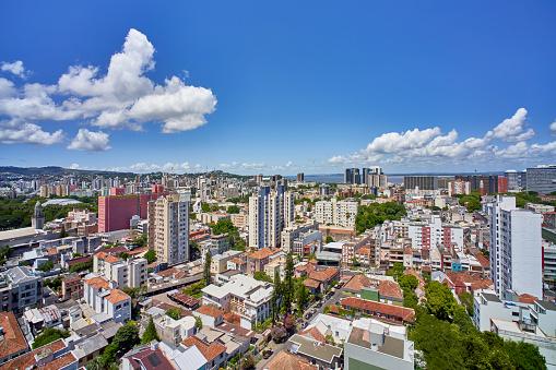 Built Structure「Skyline view of Porto Alegre the capital of the Brazilian state of Rio Grande do Sul.」:スマホ壁紙(15)