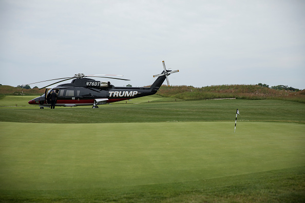 Putting Green「Donald Trump Jr., Eric Trump, And Golfer Jack Nicklaus Unveil New Clubhouse At Trump Golf Links」:写真・画像(19)[壁紙.com]