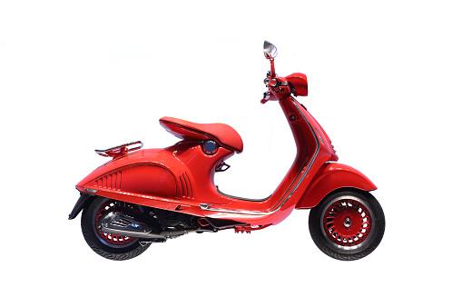 Moped「Italian Scooter on White Background」:スマホ壁紙(16)