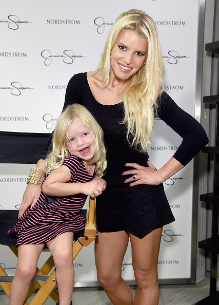 ジェシカ・シンプソン「Jessica Simpson & Nordstrom Present A Fashion Show At The Grove」:写真・画像(2)[壁紙.com]