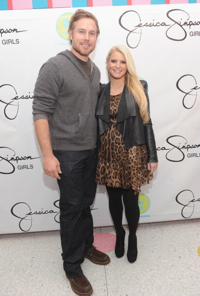 Sweet Food「Jessica & Ashlee Simpson Celebrate The Launch Of Jessica Simpson Girls」:写真・画像(15)[壁紙.com]
