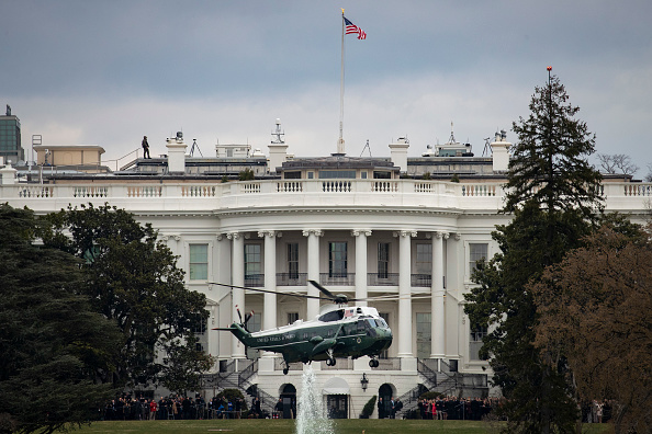 Drew Angerer「President Trump Departs White House En Route To Palm Beach, Florida」:写真・画像(19)[壁紙.com]