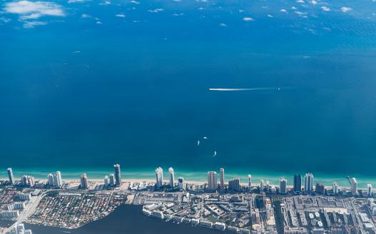 Miami Beach「Condos facing the ocean in Miami Beach」:スマホ壁紙(9)