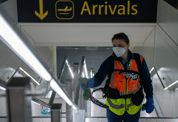 Spray「Gatwick Airport Reveal Social Distancing Measures Ahead Of Flight Increase」:写真・画像(10)[壁紙.com]
