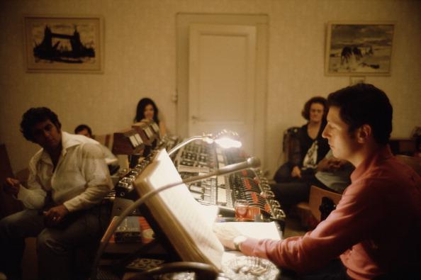 Classical Musician「Domingo In Studio」:写真・画像(15)[壁紙.com]