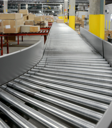 Freight Transportation「Conveyor rollers in a warehouse」:スマホ壁紙(0)
