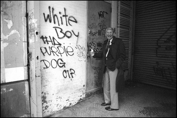 Graffiti「Portrait Of Eli Broad」:写真・画像(19)[壁紙.com]