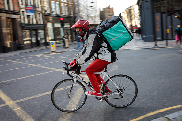 Deliveroo「UK Govt Promises Overhaul Of Workers Rights to Protect Those In Gig Economy」:写真・画像(13)[壁紙.com]