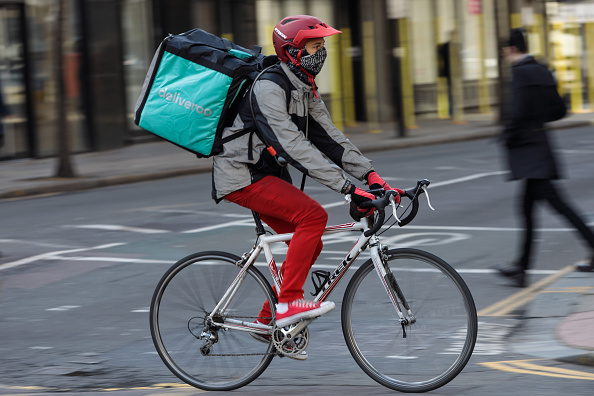 Deliveroo「UK Govt Promises Overhaul Of Workers Rights to Protect Those In Gig Economy」:写真・画像(8)[壁紙.com]