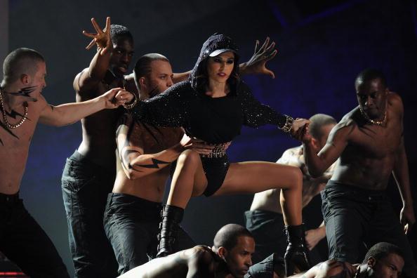 Leotard「The Brit Awards - Show」:写真・画像(8)[壁紙.com]