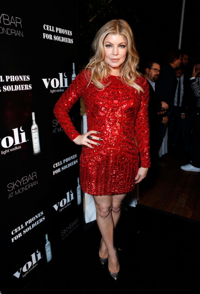 Christmas「Voli Light Vodka's Holiday Party Hosted By Fergie Benefiting Cellphones For Soldiers」:写真・画像(17)[壁紙.com]