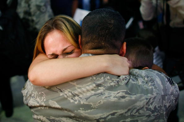 Arrival「Soldiers With 482nd Security Forces Squadron Return From Iraq」:写真・画像(14)[壁紙.com]
