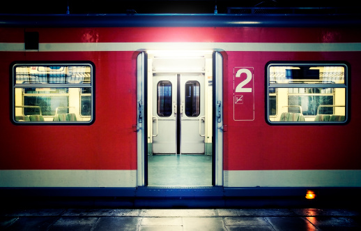 Waiting「Red waiting train with doors open.」:スマホ壁紙(8)