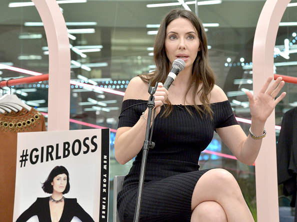 Whitney Cummings「Paperback Launch of #GIRLBOSS With Sophia Amoruso And Whitney Cummings」:写真・画像(15)[壁紙.com]