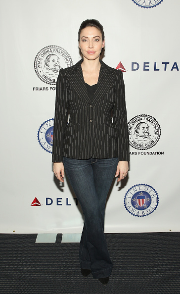 Whitney Cummings「The Friars Foundation Presents The Lincoln Awards: A Concert For Veterans & The Military Family -  Arrivals」:写真・画像(12)[壁紙.com]