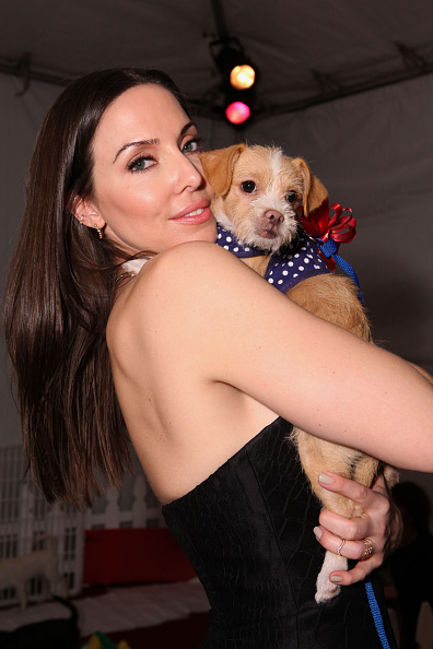 "Whitney Cummings「Backstage Creations Treat Suite At Fox's ""Cause For Paws - An All-Star Dog Special""」:写真・画像(4)[壁紙.com]"