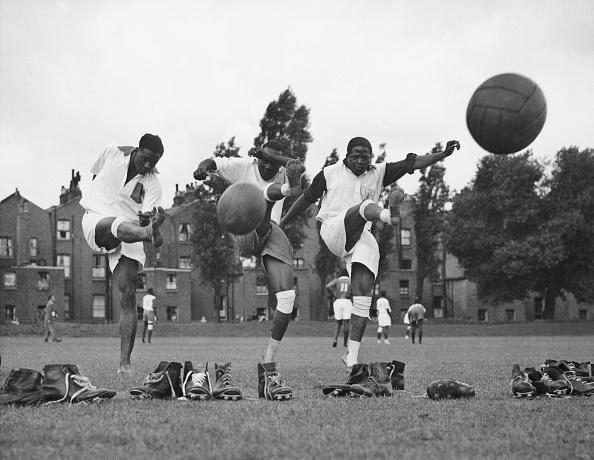 Kicking「Ugandan Team」:写真・画像(7)[壁紙.com]