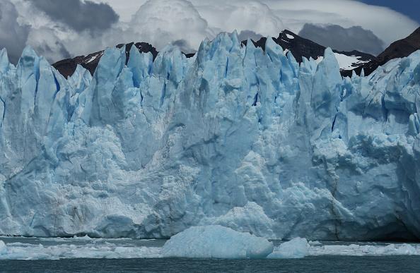 モレノ氷河「Global Warming Impacts Patagonia's Massive Glaciers」:写真・画像(18)[壁紙.com]