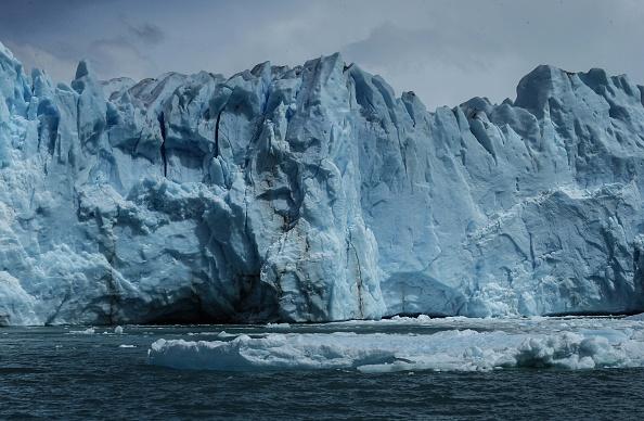 モレノ氷河「Global Warming Impacts Patagonia's Massive Glaciers」:写真・画像(14)[壁紙.com]