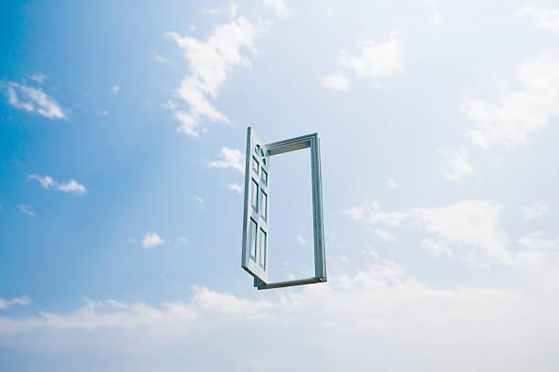 Open doorway in sky (Digital Composite):スマホ壁紙(壁紙.com)