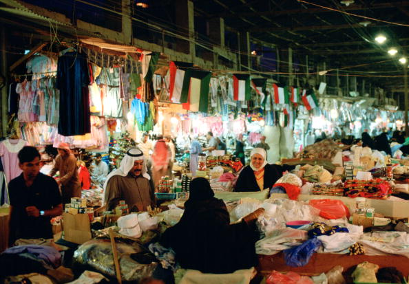 Traditional Clothing「Souk Shopping, Kuwait」:写真・画像(0)[壁紙.com]