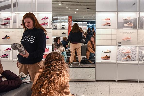 Flagship Store「Nike Q2 Sales Rise 10 Percent As Air Jordan Brand Soars To $1 Billion Quarter」:写真・画像(3)[壁紙.com]