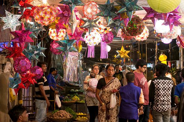 Celebration「Indians Celebrate Diwali in Mumbai」:写真・画像(19)[壁紙.com]