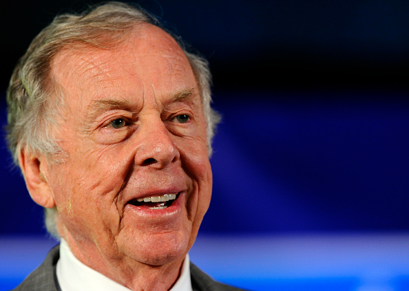 トペカ「T. Boone Pickens Holds Inaugural Town Hall Meeting On His Energy Plan」:写真・画像(13)[壁紙.com]