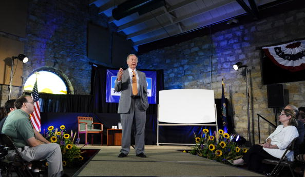 トペカ「T. Boone Pickens Holds Inaugural Town Hall Meeting On His Energy Plan」:写真・画像(14)[壁紙.com]