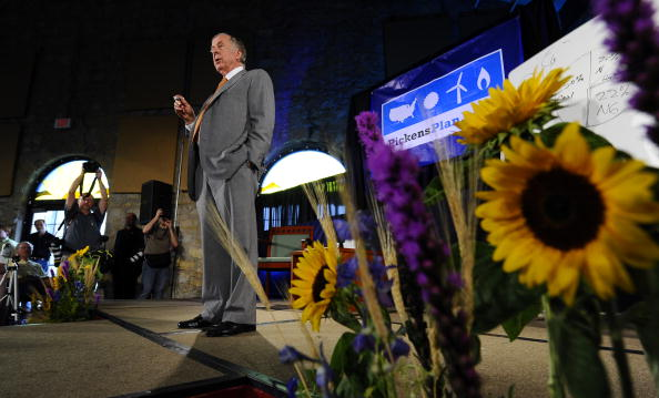 トペカ「T. Boone Pickens Holds Inaugural Town Hall Meeting On His Energy Plan」:写真・画像(15)[壁紙.com]
