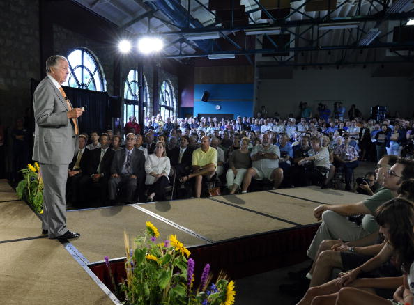 トペカ「T. Boone Pickens Holds Inaugural Town Hall Meeting On His Energy Plan」:写真・画像(16)[壁紙.com]