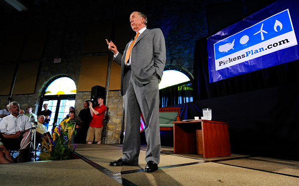 トペカ「T. Boone Pickens Holds Inaugural Town Hall Meeting On His Energy Plan」:写真・画像(11)[壁紙.com]