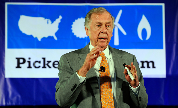 トペカ「T. Boone Pickens Holds Inaugural Town Hall Meeting On His Energy Plan」:写真・画像(12)[壁紙.com]