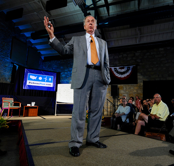 トペカ「T. Boone Pickens Holds Inaugural Town Hall Meeting On His Energy Plan」:写真・画像(17)[壁紙.com]