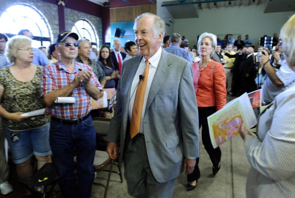 トペカ「T. Boone Pickens Holds Inaugural Town Hall Meeting On His Energy Plan」:写真・画像(19)[壁紙.com]