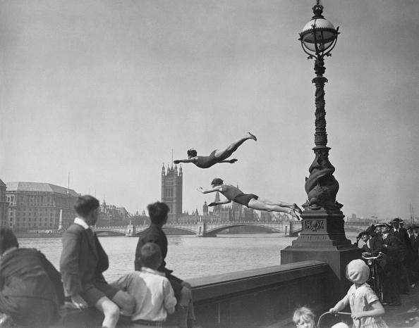テムズ川「Thames Divers」:写真・画像(3)[壁紙.com]