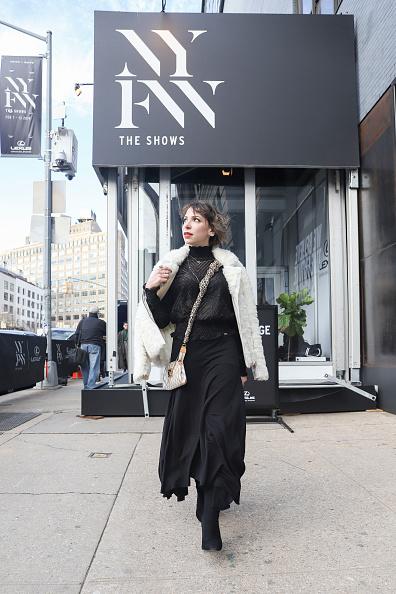 Achim Aaron Harding「Street Style - New York Fashion Week February 2019 - Day 3」:写真・画像(11)[壁紙.com]