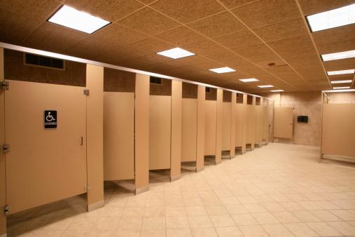 Market Stall「Toilet stalls in a public restroom, Delaware, USA」:スマホ壁紙(16)