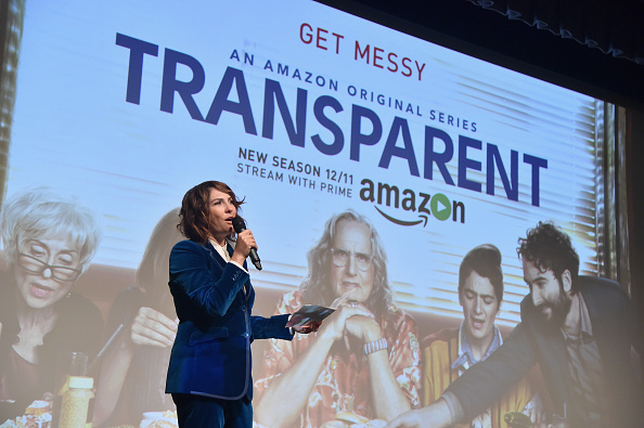 "Transparent「Premiere Of Amazon's ""Transparent"" Season 2 - Red Carpet」:写真・画像(11)[壁紙.com]"