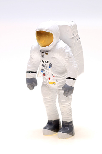 Human Representation「Figurine of astronaut」:スマホ壁紙(8)