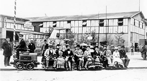 Siemens「First electric locomotive by Werner von Siemens」:写真・画像(17)[壁紙.com]