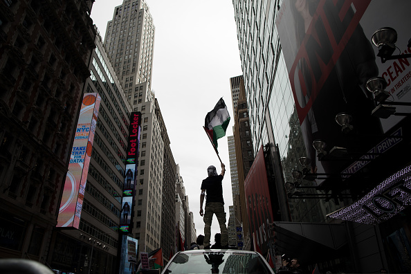 Drew Angerer「Activists Rally In Support Of Palestinians In Wake Of Recent Shooting Deaths By Israel In Gaza」:写真・画像(11)[壁紙.com]