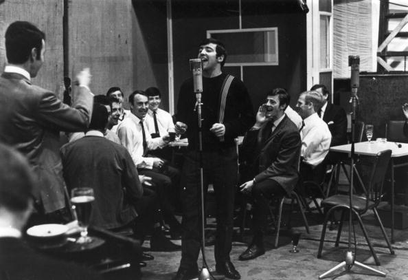 歌う「Singing Spurs」:写真・画像(2)[壁紙.com]